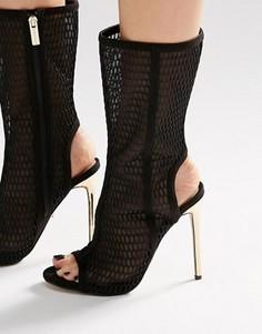 Черные полусапожки на шнуровке с лазерной отделкой Carvela Gloria - Черный