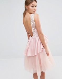 Платье миди с юбкой из тюля и оборкой на талии Chi Chi London - Розовый