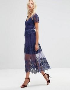 Кружевное сетчатое платье миди с вышивкой ASOS - Синий