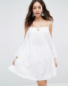 Пляжное платье мини с открытыми плечами Max C London - Белый