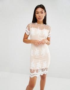 Платье с кружевной отделкой и фактурной отделкой по краю Club L - Белый