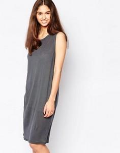 Цельнокройное платье без рукавов Minimum - Серый