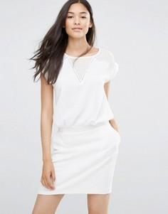 Белое платье с V‑образными вставками Soaked in Luxury - Белый