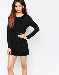 Платье с перекрученным дизайном Wal G - Черный