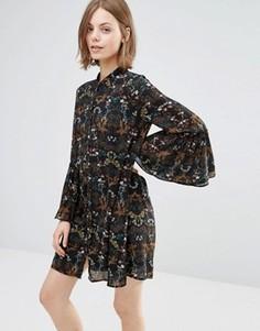 Свободное платье с расклешенными рукавами Style London - Черный