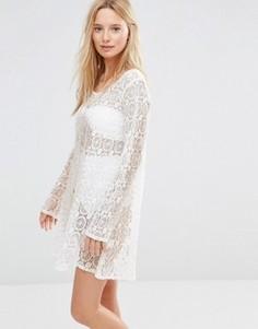 Платье мини кроше с принтом металлик Anmol - Белый