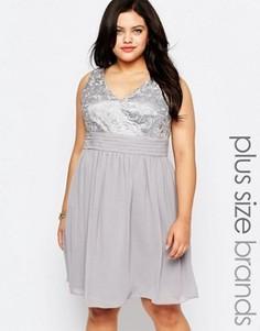 Короткое приталенное платье с кружевным топом Lovedrobe Plus - Серый
