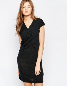 Трикотажное платье с перекрестом спереди b.Young - Серый