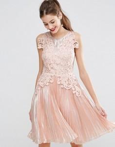 Приталенное платье миди цвета металлик с кружевной аппликацией ASOS SALON - Розовый