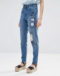 Джинсы в винтажном стиле с рваной отделкой и заплатками Waven Elsa - Синий