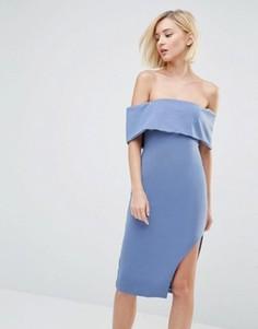 Асимметричное платье миди с глубоким лифом-бандо Lavish Alice - Синий