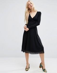 Платье миди с запахом и кружевной кромкой ASOS - Черный