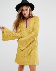 Кружевное платье с глубоким вырезом сзади Lira - Желтый