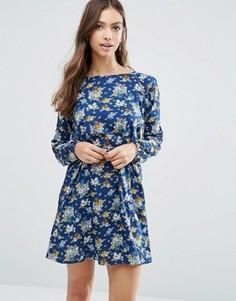 Цветочное платье с открытыми плечами и поясом Yumi - Темно-синий