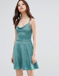 Блестящее платье на бретельках Wal G - Зеленый