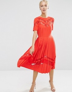 Плиссированное платье миди с кружевными вставками ASOS Premium - Красный
