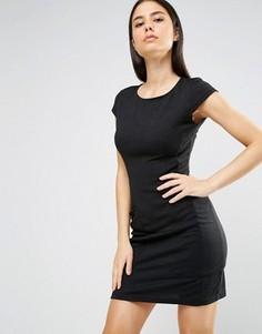 Цельнокройное платье с короткими рукавами и карманами AX Paris - Черный