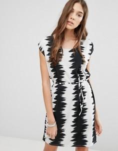 Платье с принтом Blend She - Черный