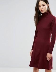 Короткое приталенное платье с отворачивающимся воротом Brave Soul - Красный