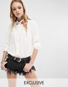 Рубашка бойфренда с аппликацией на воротнике Reclaimed Vintage - Белый