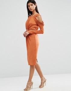 Платье миди с драпировкой и вырезами на плечах ASOS - Оранжевый