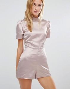 Ромпер с высоким воротом и открытой спиной Fashion Union - Розовый
