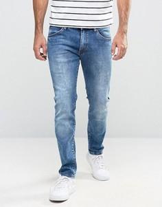 Облегающие джинсы с заниженной талией Wrangler - Синий