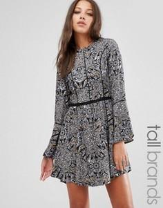 Платье с контрастной окантовкой и оборкой на рукавах Brave Soul Tall - Черный