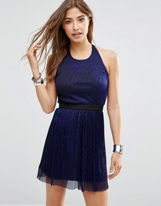Платье с эффектом металлик Wyldr Pleat Me - Синий