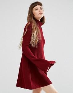 Свободное вязаное платье с высокой горловиной Rokoko - Красный