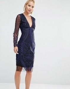 Сетчатое платье миди с глубоким декольте и вышивкой Lavish Alice - Темно-синий