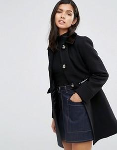 Короткое приталенное пальто с контрастной лакированной отделкой ASOS - Черный