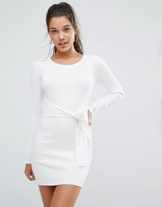 Платье-джемпер в рубчик с длинными рукавами и завязкой на талии Missguided - Белый