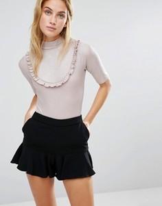Боди с эффектом металлик, короткими рукавами и оборкой Fashion Union - Розовый