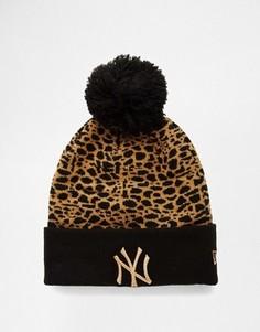 Шапка с леопардовым узором и помпоном New Era Boston - Черный