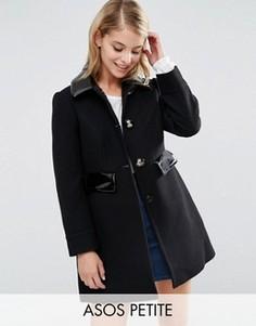 Короткое приталенное пальто с контрастной отделкой ASOS PETITE - Черный