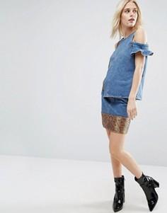 Джинсовая мини-юбка с жаккардовым подолом ASOS - Синий