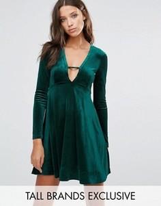 Бархатное приталенное платье с глубоким вырезом Glamorous Tall - Зеленый