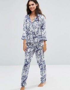 Атласный пижамный комплект с окантовкой и мраморным принтом ASOS - Мульти