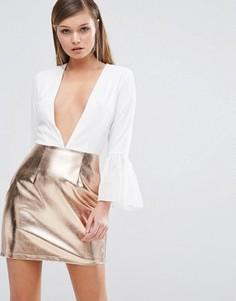 Платье с глубоким декольте и юбкой цвета металлик Rare - Белый