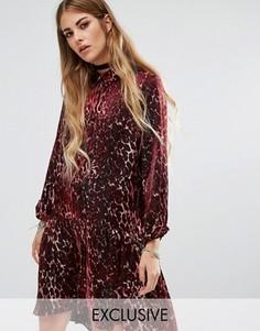 Платье-рубашка с леопардовым принтом Reclaimed Vintage - Красный