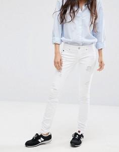 Заниженные джинсы скинни с прорехами Only Coral - Белый