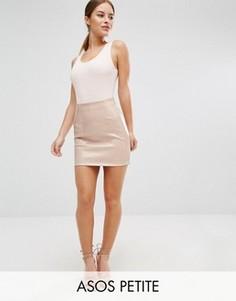 Мини-юбка из полиуретана с мокрым эффектом ASOS PETITE - Розовый