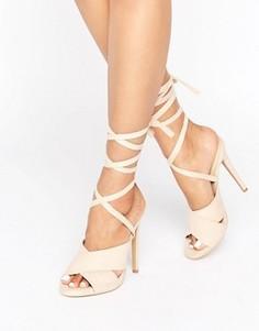 Сандалии на каблуке с завязками вокруг щиколотки Truffle - Бежевый