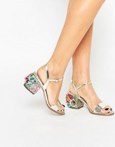 Сандалии на каблуке с декоративной отделкой ASOS HARROGATE - Золотой