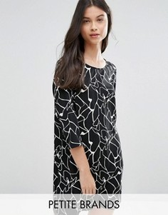 Цельнокройное платье с абстрактным принтом Vero Moda Petite - Черный