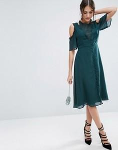 Платье миди с открытыми плечами, кружевом и пуговицами ASOS - Зеленый