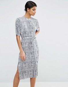 Платье миди из плиссированной меланжевой ткани ASOS Plissé - Серый
