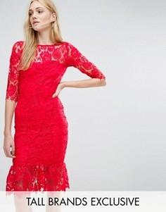 Кружевное платье с оборкой по краю Paper Dolls Tall - Красный