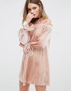 Платье с открытыми плечами и завязками на рукавах Glamorous - Розовый